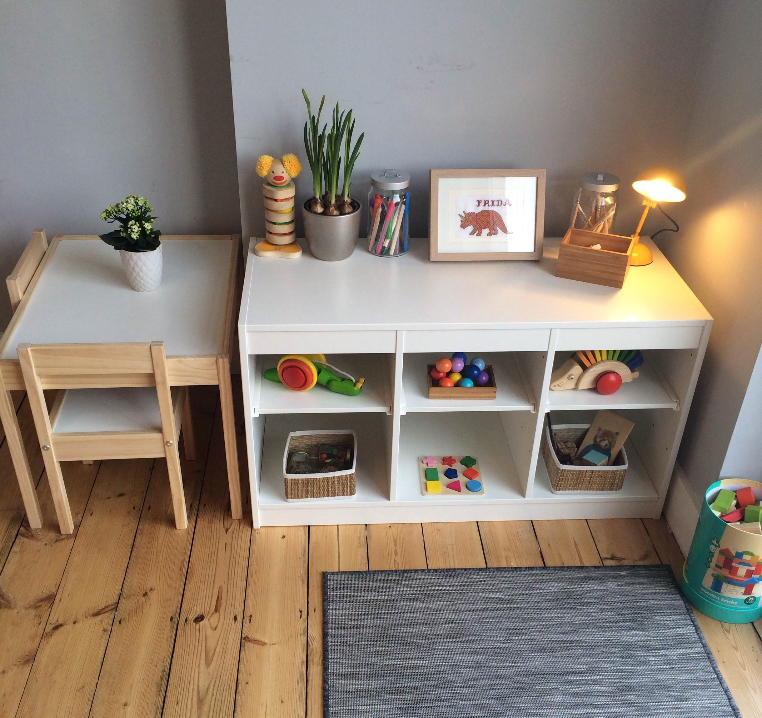 Montessori in the home a baby friendly dining room for Minimalist living with children